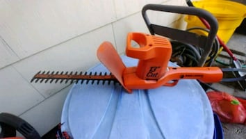 Blackdecker hedge tree trimmer