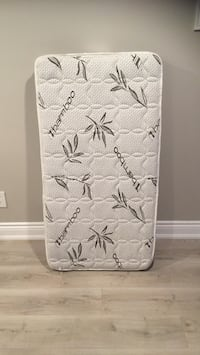 Baby crib mattress 2 years used in excellent condition. Smoke free and pet free home  Toronto, M3M 1Y7