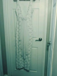 white floral sleeveless maxi dress Las Vegas, 89102