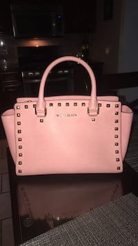 Michael Kors purse Nutley, 07110