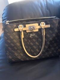 Guess Tote/Purse Oshawa, L1K 0L7