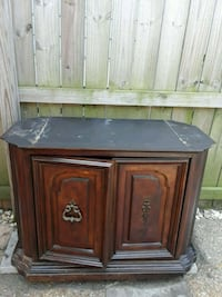 Cabinet  Small buffet/ tv stand  New Orleans, 70115