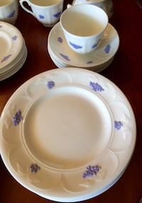 Dinner set Adderly heavy fine bone China Blue Chelsea pattern Lake Elsinore, 92530