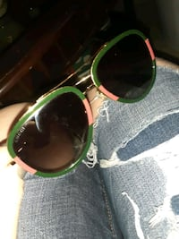 Mint condition barely ever gucci sunglasses Windsor, N9A 5B4