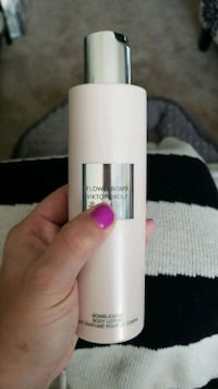Flowerbomb by Viktor & Rolf body lotion  Fairfax, 22031