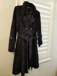 Jacquard trench size S  Vaughan, L4H 3N5