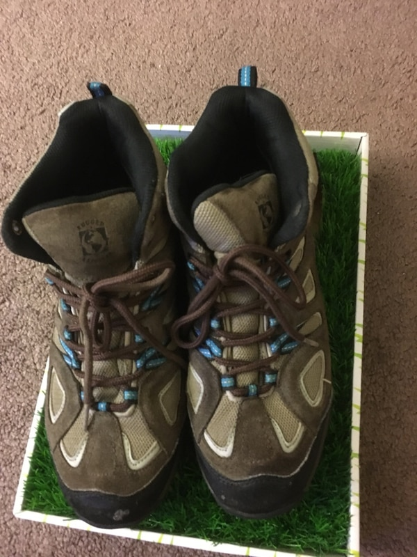 219290812 Used Rugged Exposure Size 10 Men s Hiking Boots for sale in Castro Valley
