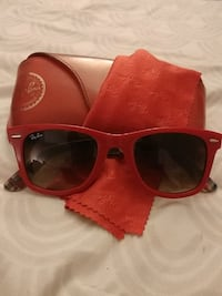 red framed Ray-Ban sunglasses with brown case Los Angeles, 91401