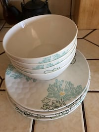 white and green floral ceramic bowl Victorville, 92395