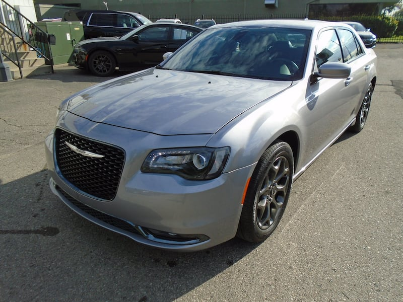 Chrysler 300 2016 10