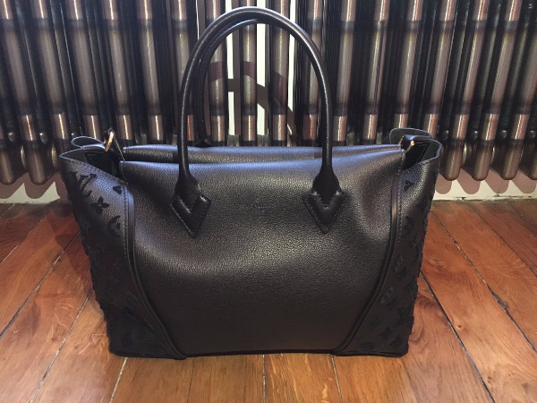 Borsa in pelle nera di Louis Vuitton