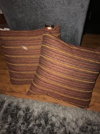 2 decorative pillows-high quality   Carlsbad, 92009
