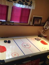Air hockey table  Fort Erie, L0S