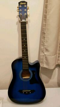 """Acoustic Guitar 38"""" with bag and book"""