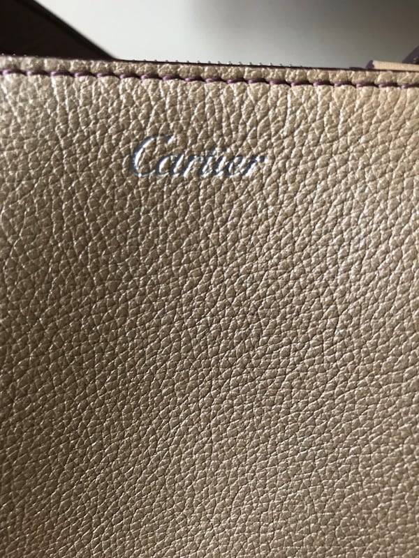 Cartier Purse 002dd9f1-ff0c-4075-97c6-b34bb7aaa3b5
