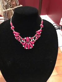 Statement necklace  Oakville, L6H 1Y4