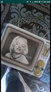 Marilyn monroe collectable Tin lunchbox