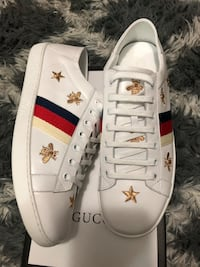 pair of white-and-red Gucci shoes Tampa, 33634