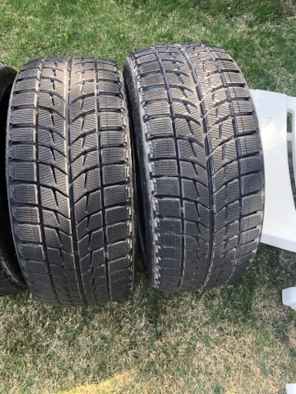 4 tires  Bridgestone Blizzak 2