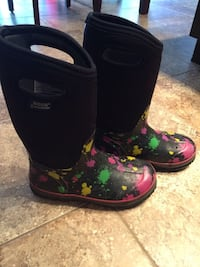BOGS Children's Boots Size 4 St Catharines, L2M 7B2