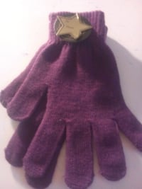 New with tags Warm gloves purple