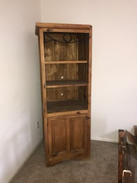 brown wooden framed glass display cabinet Brighton, 80602