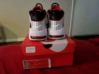 pair of white-and-red Nike sneakers Houston, 77084