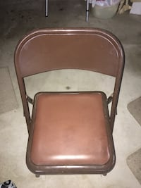 Folding chairs. (4). Never used, little dusty.