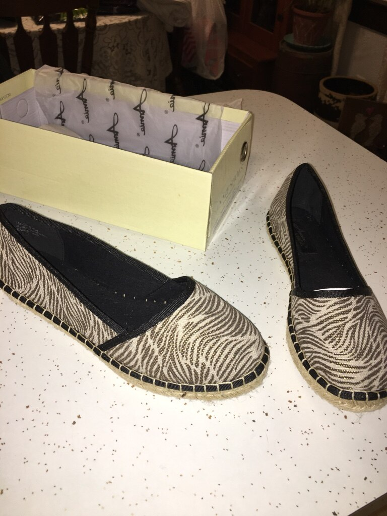 NEW women's shoes 8 1/2