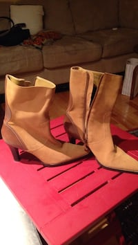 Unisa new pair of women's pointed-toe side-zip high-heeled boots