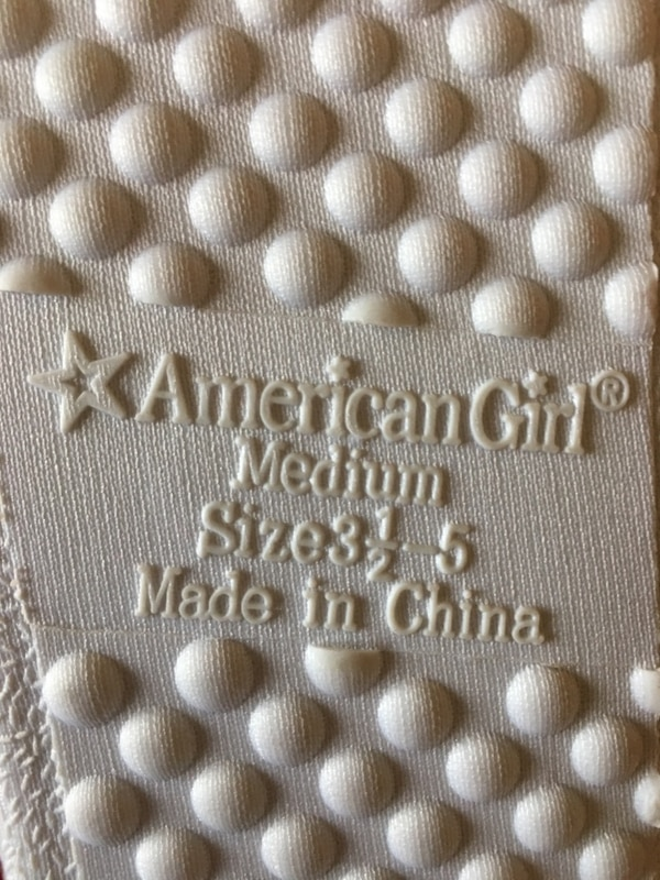 """Girls """"american girl"""" holiday slippers size 3 1/2-5 new! Christmas! fbdc5119-8c3a-4c43-962d-a6f421819e7a"""