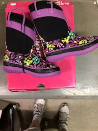 New Western Chief Flowered Girl's Boots Size 9/10 Waterproof Insulated -20 F West Haven, 06516