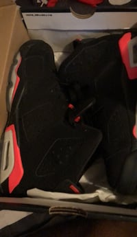 Black-and-red air jordan basketball shoes