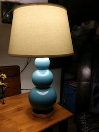 Lt blue bubbled lamp with shade. Middletown, 45044