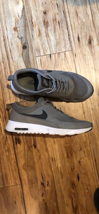 AirMax Thea Women's 9 excellent condition  East Greenwich, 02818