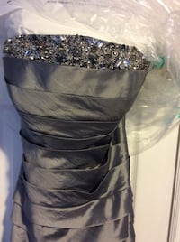Evening gown size 10 - worn once and dried clean  Toronto