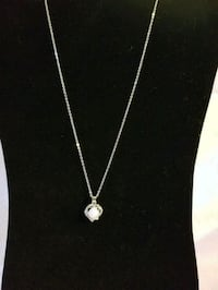 Brand New Silvertone Opal Necklace Mosheim, 37818