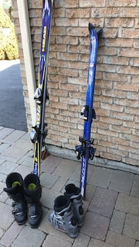 pair of blue-and-black snow ski blades Mississauga, L5A 2P6