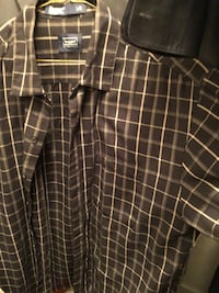 Men's button up short sleeve  Vancouver, V5V 0B6