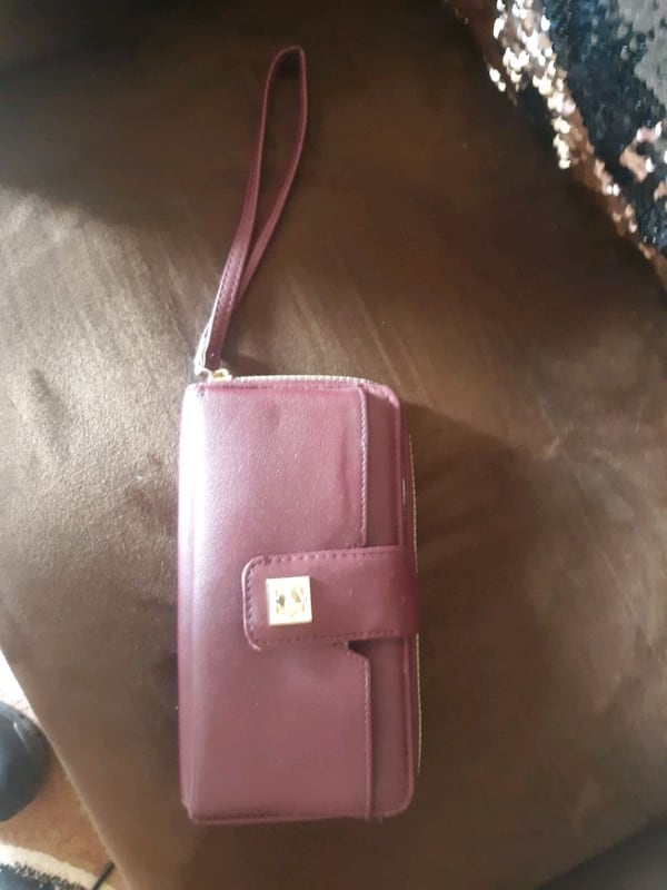Women's Wallet- New 7f57366c-cafe-4555-9be4-61bd1b9cdab6
