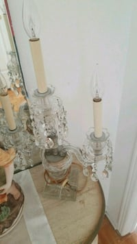 two clear glass candle holders Montréal, H3R 2E6