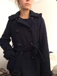 *NEW PRICE* Navy Wool Coat London, N6G