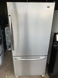 MAYTAG fridge good condition  Sterling, 20164