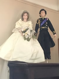 Danbury Mint Charles and Diana Royal Wedding dolls. Paperwork and stands included.  Long Beach, 90815