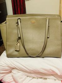 Authentic guess bag gently used  Mississauga, L5V 1R4
