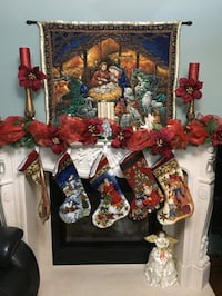Decorative Christmas Wallhangings hand quilted.      Toronto, M9N