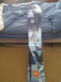 white, blue, and grey snowboard Lakeside, B3T 1B3
