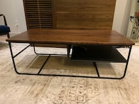 Wood coffee table with shelf New York, 10011