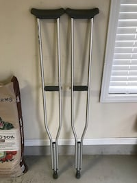 Gently used crutches! Like New!!! - 300 Lbs Max Weight Lawrenceville, 30043