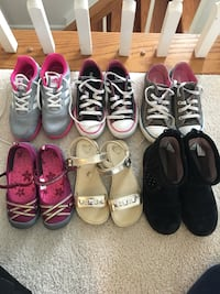 Girls size 1 and 2 assorted pairs of shoes Woodbridge, 22193